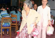 Nụ cười của người nghèo mắc bệnh ở xã Tân Long