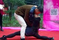 Cuộc thi hôn kỳ lạ ở Trung Quốc
