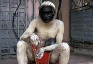 Kinh hoàng hàng trăm con khỉ tấn công tòa nhà Quốc hội Ấn Độ