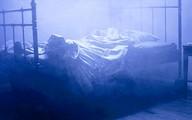 Trốn xuống gầm giường vẫn không thoát tội hiếp dâm