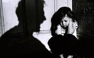 Cha xâm hại, bắt con gái làm nô lệ tình dục cho 7 người