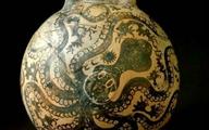 Du khách vấp ngã làm vỡ bình cổ 4.000 năm tuổi