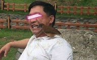 Đại gia dùng chim để xỉa răng gây xôn xao
