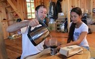 Phải lòng cô gái người K'Ho, chàng trai Mỹ qua Việt Nam làm cà phê