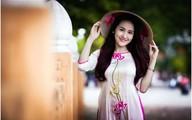 Nữ du học sinh khoe nét duyên trong tiết thu Hà Nội