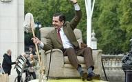 Người dân London ngạc nhiên đến khó tin khi thấy Mr Bean ngồi trên nóc xe xuống phố