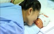Khánh Thi lần đầu khoe ảnh con trai lúc 3 ngày tuổi