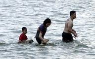 Người và thú cưng tung tăng giải nhiệt ở Hồ Tây
