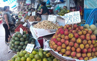Đi 60 km đến Sài Gòn, giá chôm chôm tăng gấp 5 lần