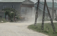 """Hà Nam: Chủ thầu xây dựng vô trách nhiệm sau khi """"băm nát"""" đường"""