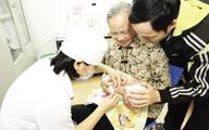 Hà Nội: Sáng mai, bắt đầu đăng ký tiêm vaccine dịch vụ qua mạng