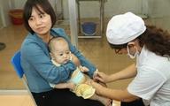 Cha mẹ cần làm gì để trẻ tiêm chủng an toàn?