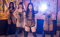 """Hương Tràm lại """"hở hang"""" trong MV mới"""