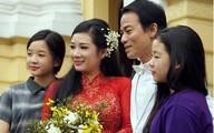 Hai con gái của Thanh Thanh Hiền xinh xắn đưa mẹ về nhà chồng
