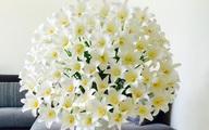Bình hoa tuyệt đẹp từ 200 bông loa kèn của mẹ 9x ở Hà Nội