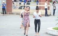 """Dân mạng truy tìm cô gái """"gợi cảm"""" nhất trong buổi làm thủ tục thi THPT tại Nghệ An"""