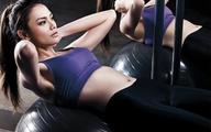 """""""Nỗi khổ"""" trớ trêu khi có vợ thích tập gym"""