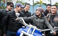MC Anh Tuấn 'cưỡi' mô tô khủng diễu hành ủng hộ Trần Lập