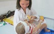 Bé gái 2 tuổi ở Hà Nội gặp đại hạn vì một cú lùi xe bất cẩn