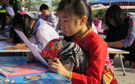 Hàng trăm học sinh giỏi Hải Phòng khai bút đầu xuân
