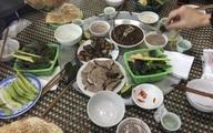 Lạ kỳ chuyện đầu năm ăn thịt chó… cầu may