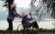 Người Hà Nội trong gió lạnh đầu mùa