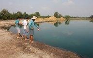 Hai chị em ruột đuối nước tức tưởi dưới hầm đất bỏ hoang