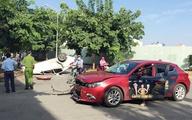 Ôtô lật ngửa ở Sài Gòn sau cú tông của 2 cô gái