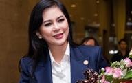 Mẹ chồng Hà Tăng thanh lịch đi nhận giải thưởng