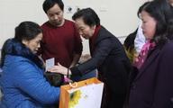 Phó Chủ tịch nước thăm Bệnh viện K và  tặng quà Tết cho bệnh nhi
