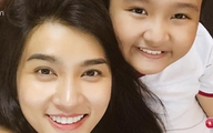 """Con gái lớn phổng phao của Kim Tuyến khoác vai mẹ như hai """"chị em bạn dì"""""""