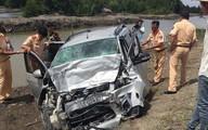 Tránh xe lu, 2 ôtô đâm nhau khiến 11 người thương vong