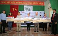 Báo GĐ&XH phối hợp trao hàng trăm phần quà cho bà con xã Tam Phước
