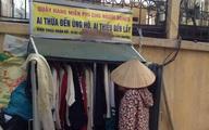 Chuyện lạ ở những tủ quần áo từ thiện vỉa hè