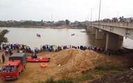 Huy động bộ đội tìm kiếm hai vợ chồng và con mất tích tại hồ thủy điện
