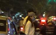 Hương Giang Idol bịt khẩu trang kín mít, xuất hiện chớp nhoáng ở chùa Quán Sứ giữa đêm muộn