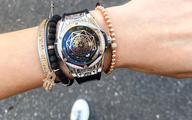 Khoe ảnh street style ở Milan, Kỳ Duyên lại khiến fan trầm trồ với chiếc đồng hồ tiền tỉ