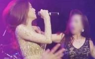 Bất ngờ bị fan cuồng sàm sỡ, hôn lên ngực trong lúc trình diễn, Hà Hồ nhanh tay ứng biến