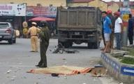 Va chạm với xe tải, một phụ nữ bị cán tử vong