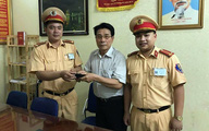 Trung úy cảnh sát trả lại hơn 1.000 USD cho người đánh rơi