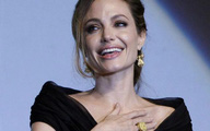 Sự thật phía sau quyết định cắt bỏ ngực ngừa ung thư của nữ minh tinh đẹp bậc nhất Hollywood