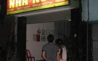 Bị bạn trai 18 tuổi rủ vào nhà nghỉ 'tâm sự', bé gái 13 tuổi về mách bố đi báo Cảnh sát