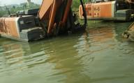 Thanh Hóa: Chỉ đạo báo cáo gấp vụ thủy điện tích nước dìm ô tô, máy xúc dưới lòng hồ