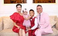 Siêu mẫu Vũ Cẩm Nhung lần đầu khoe ảnh chồng và hai con
