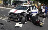 6 xe tông nhau liên hoàn khiến 5 người nhập viện