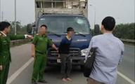 Dùng súng bắn vào xe ô tô 'dằn mặt' sau va chạm giao thông