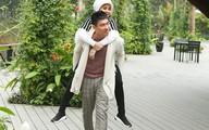 Kiều Minh Tuấn cõng Cát Phượng khi đi du lịch kỷ niệm 10 năm yêu nhau