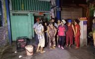Sập sàn nhà cổ ở Sài Gòn, nhiều người mắc kẹt