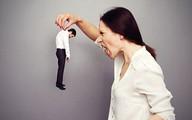 Chồng bị vợ đấm bầm mặt ở công ty vì ngoại tình