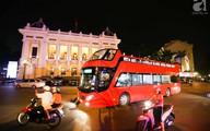 Cận cảnh xe buýt 2 tầng bất ngờ xuất hiện trên đường phố Hà Nội trước giờ G